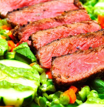 Spiced Steak & Spinach Salad w/ Avocado Vinaigrette