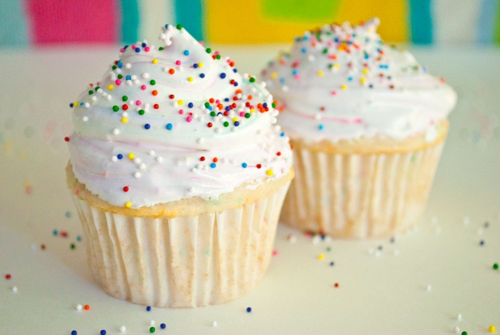 Skinny Funfetti Cupcakes w/ Cake Batter Marshmallow Frosting for Two ...