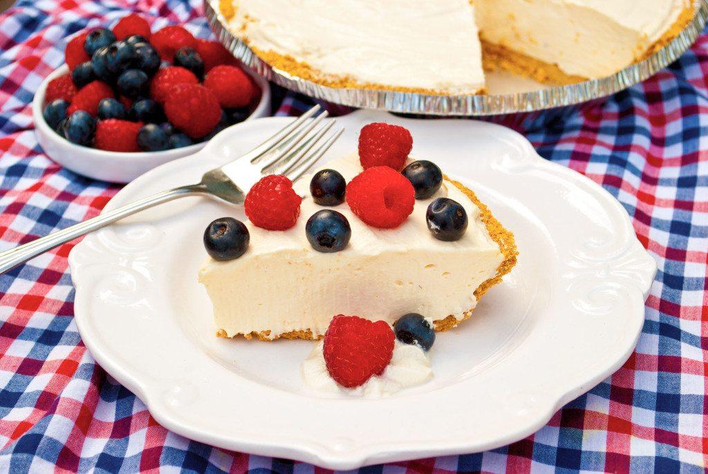 Raspberry-Cheesecake-Yogurt-Pie