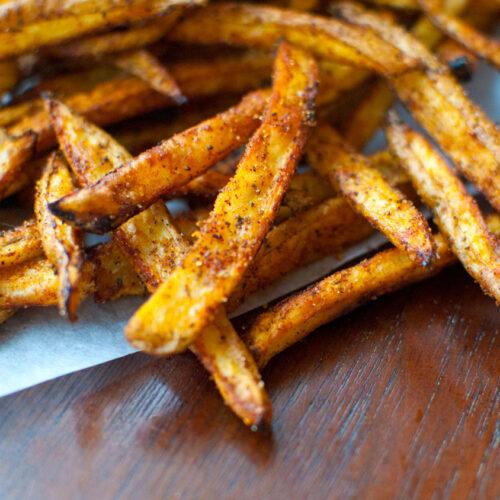 """Crispy Oven Baked """"Bojangles"""" French Fries"""