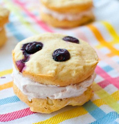 Berry Vanilla Whoopie Pies