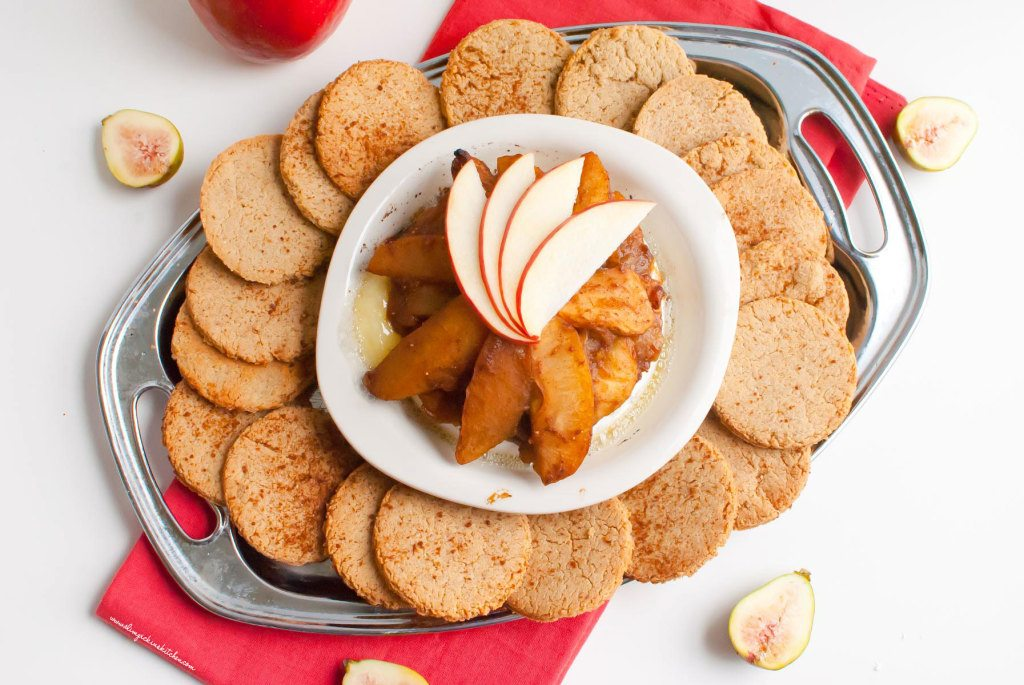 Baked Brie w/ Vanilla Cardamom Spiced Apples & Gluten Free Cinnamon Crackers