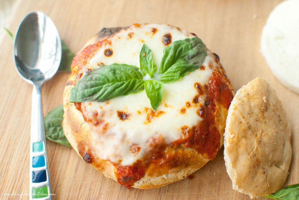 Tomato Bruschetta Bread Bowl Soup * Slim Pickin's Kitchen