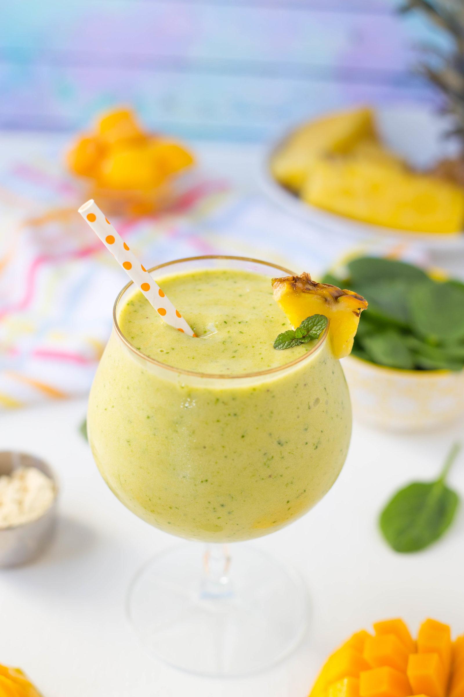 Tropical Green Smoothie | High Protein Smoothie | Pineapple Mango Smoothie